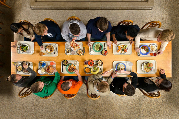 Dining Halls Announce Table Reservation Programs